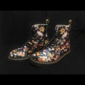 Dr Martens Darcy Floral Pascal DF Ankle Boot